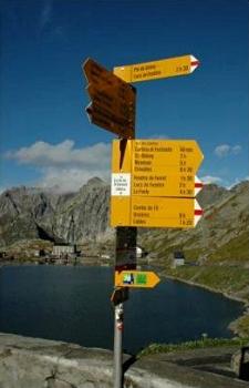 [Sign on the Colle del Gran San Bernardo]