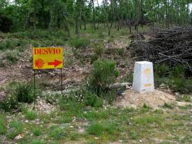 [Detour sign]